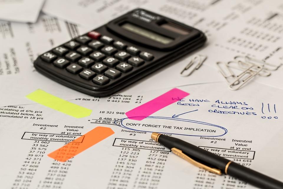 Comprendre la contre-expertise et le sort du montant non déclaré chez le notaire.